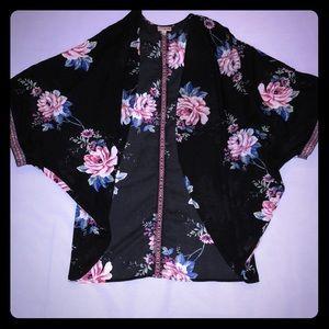 Lily white kimono Large